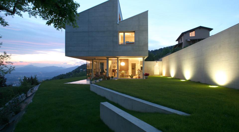Nowoczesny dom w górach