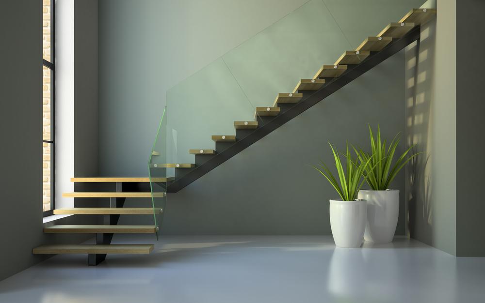 Planując pokój dziecka na poddaszu warto pamiętać o zainstalowaniu maty antypoślizgowej na schodach.