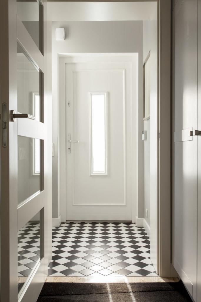 Podłoga w korytarzach i na holach