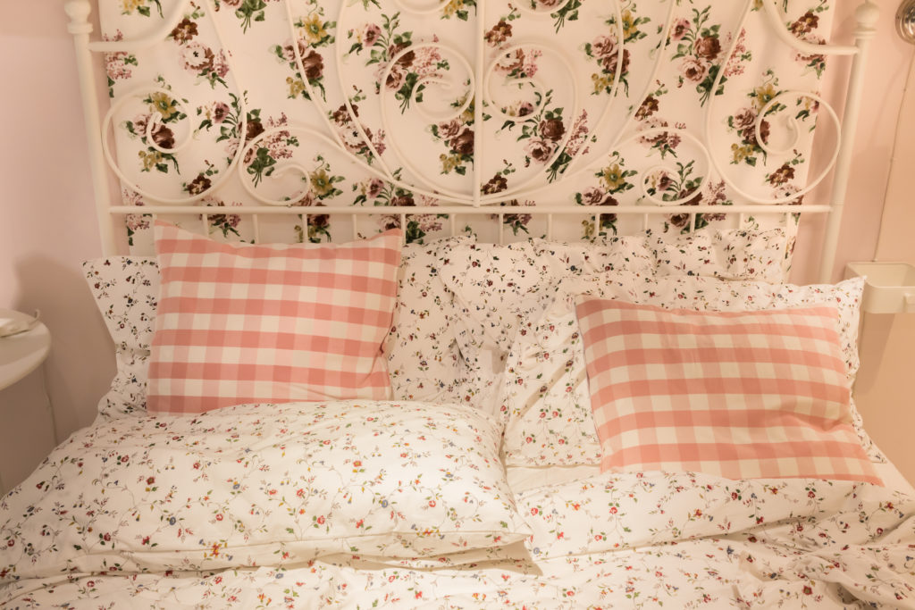 cushion and pillow on bed, sweet bedroom interior